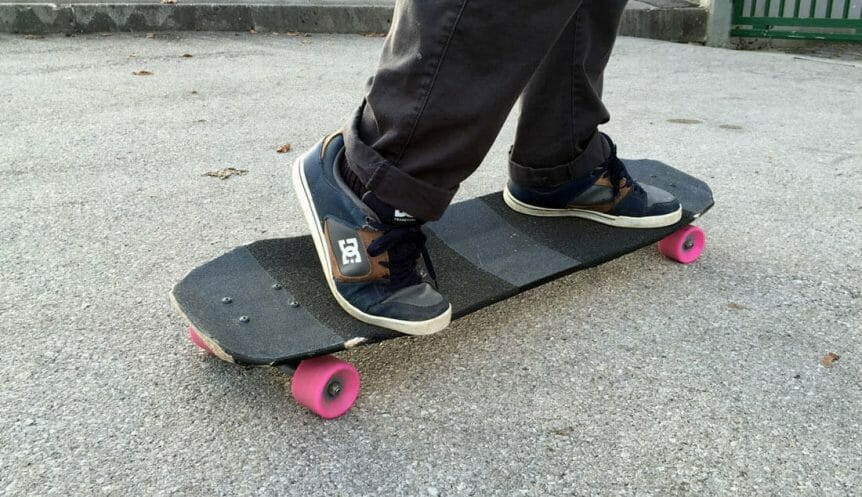 How To Choose A Longboarding Shoes According To Your Needs